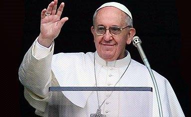 Os Santos não são super-homens, nem nasceram perfeitos – disse o Papa no Angelus nesta Festa de Todos os Santos