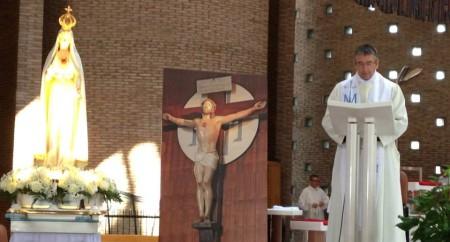 Padre Larroque preside Cenáculo no Santuário