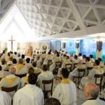 Redescobrir o mistério da presença real de Deus na Missa