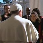 Edificar a família no amor que vem de Deus, pede Papa aos noivos