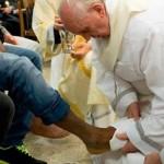 Francisco lavará pés de 12 idosos e deficientes físicos na Quinta-feira Santa
