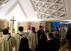 Missa do Papa em Santa Marta Além dos formalismos