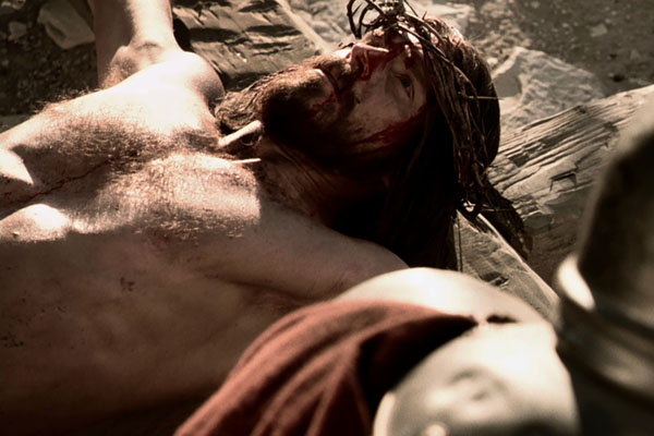 jesus-scourged-and-crucified-_03-600