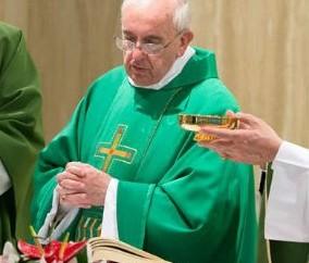 Vaticano lança livro com homilias do Papa na Casa Santa Marta