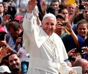 Francisco não se deixa aprisionar pela opinião pública, afirma vaticanista