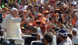 Cidade do Vaticano (RV) – Cerca de 40 mil fiéis lotaram a Praça S. Pedro esta manhã para a Audiência Geral …