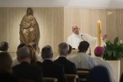 Jesus, primeiro amor, nunca se esquece – o Papa aos sacerdotes na Missa em Santa Marta