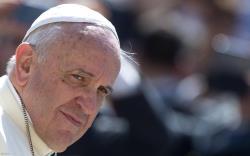 O Papa Francisco afirma que é preciso superar o racismo e que o futebol...