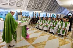 Jesus dá-nos três critérios para superar os conflitos: realismo, coerência e filiação – o Papa em Santa Marta