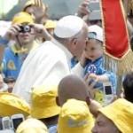 Papa Francisco diz que especulação sobre o preço dos alimentos é um escândalo.