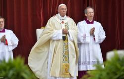 """Papa Francisco: """"Além da fome material o homem leva consigo a fome de vida, amor e eternidade"""""""