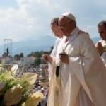"""Missa encerra visita a Cassano. Papa: """"A máfia é a adoração do mal"""""""