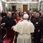 O Papa denuncia as novas formas de escravidão das quais os ciganos são vítimas