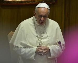 Jornal comenta palavras de Francisco a vítimas da pedofilia no clero