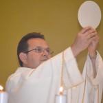 Santa Missa com Padre Antonio, direto do Santuário da Divina Misericórdia.