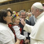 """""""Papa pede acolhimento afetuoso, festivo, cordial e paciente nos Santuários!"""""""