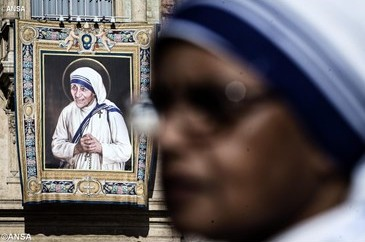 Madre Teresa foi dispensadora generosa da misericórdia divina