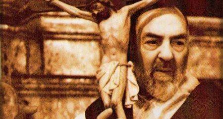 A cruz de Cristo é o anúncio da misericórdia de Deus!