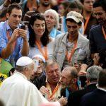 Não deixem de sonhar, pede Papa aos sem-teto