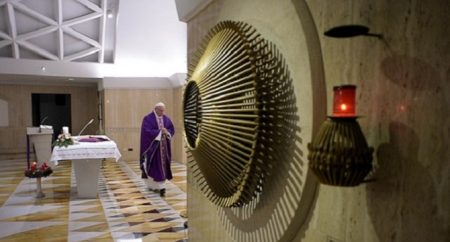 Papa: a transformação de Jesus não é magia, renova o coração