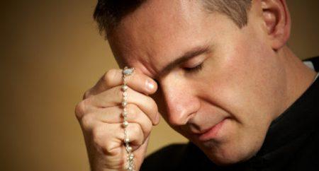 O terço é uma oração antiquada e monótona? A irmã Lúcia, de Fátima, nos mostra outra realidade!