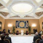 Papa a cientistas: jamais ter medo da verdade