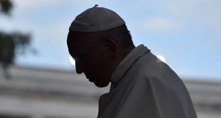 Papa solidário com vítimas do ataque à igreja na Nigéria