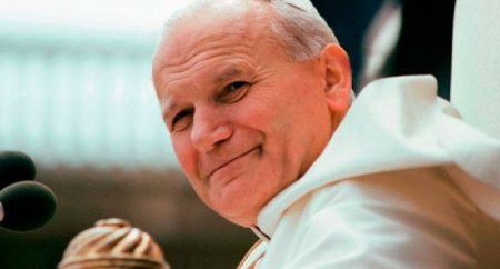 Papa recorda JP II e promove mês missionário extraordinário em outubro/2019