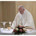 Papa: a idolatria do dinheiro mata; Deus é o fundamento da existência