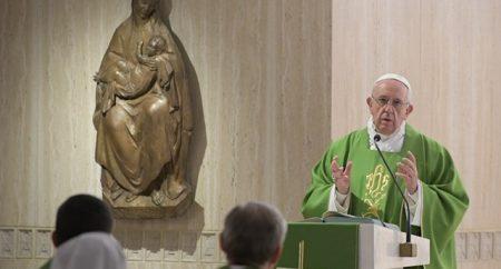Papa: mergulhar no mistério de Cristo com o coração, não com palavras