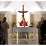 Papa: quem não sabe escutar transforma a fé em ideologia