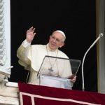 Papa reza o Angelus na Solenidade de Todos os Santos