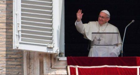 Papa Francisco: Deus não é indiferente nem distante, Ele ama cada um