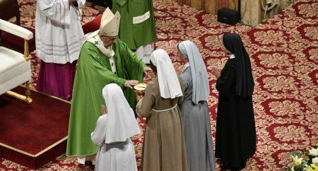 O Papa: a missão é um dom gratuito do Espírito, não o êxito de estratégias