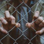 Medidas urgentes para proteger os mais vulneráveis do tráfico de pessoas
