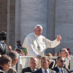 """O Papa: """"Uma vida verdadeiramente cristã testemunha Cristo"""""""